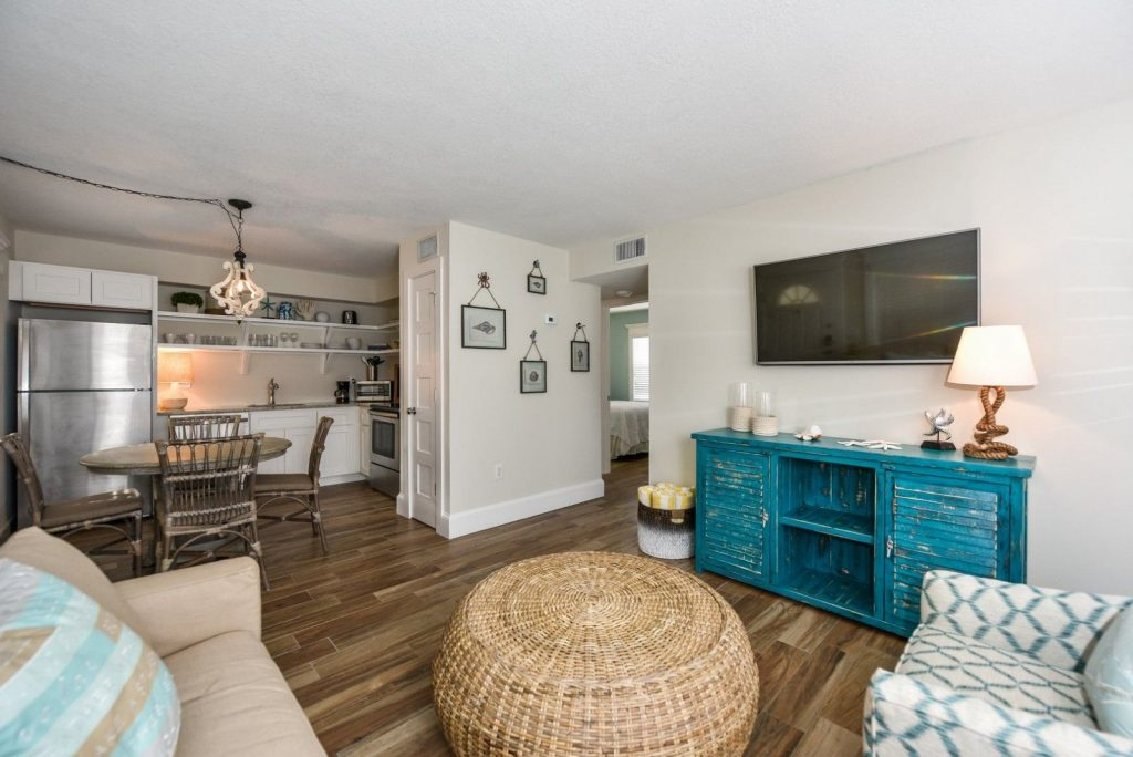 Overview of the space in a Siesta Key hotel rental