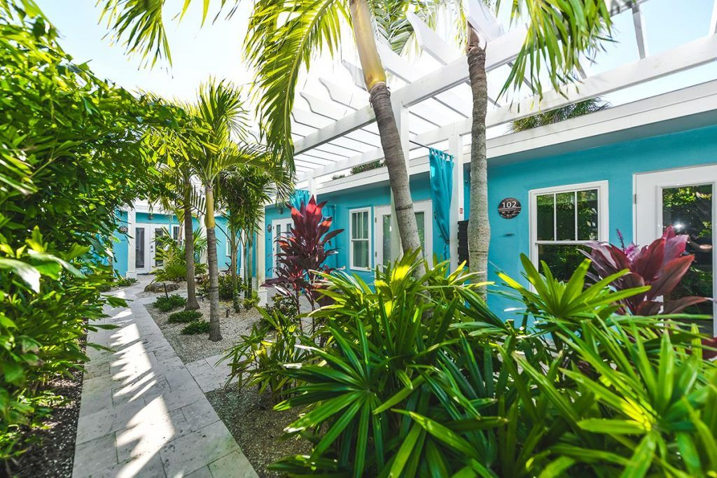 tropical breeze resort image